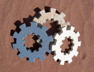 Ozubená kola z různých druhů kamene.
